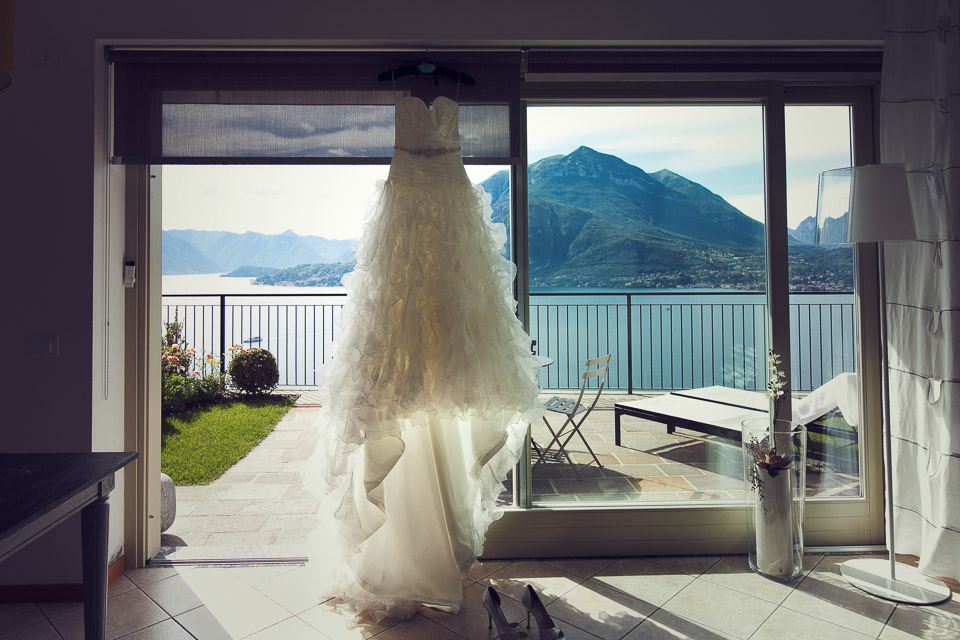Lake como wedding photographer, bridal gown