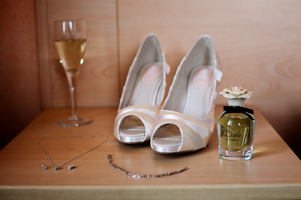 Italian wedding photographer alyson and leigh wedding for Canape italian shoes