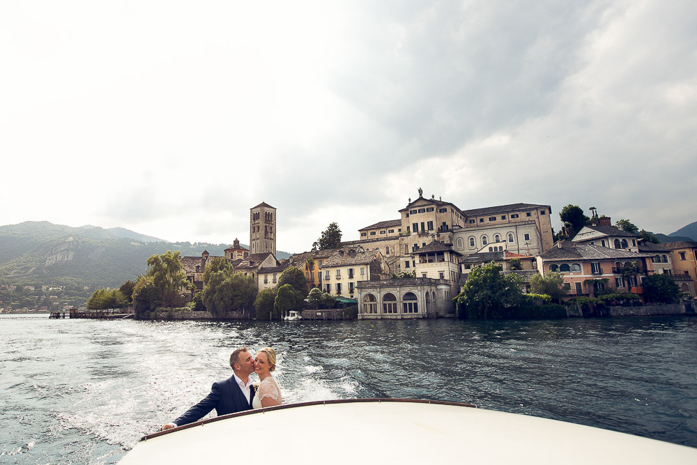 bride groom and San Giulio Island