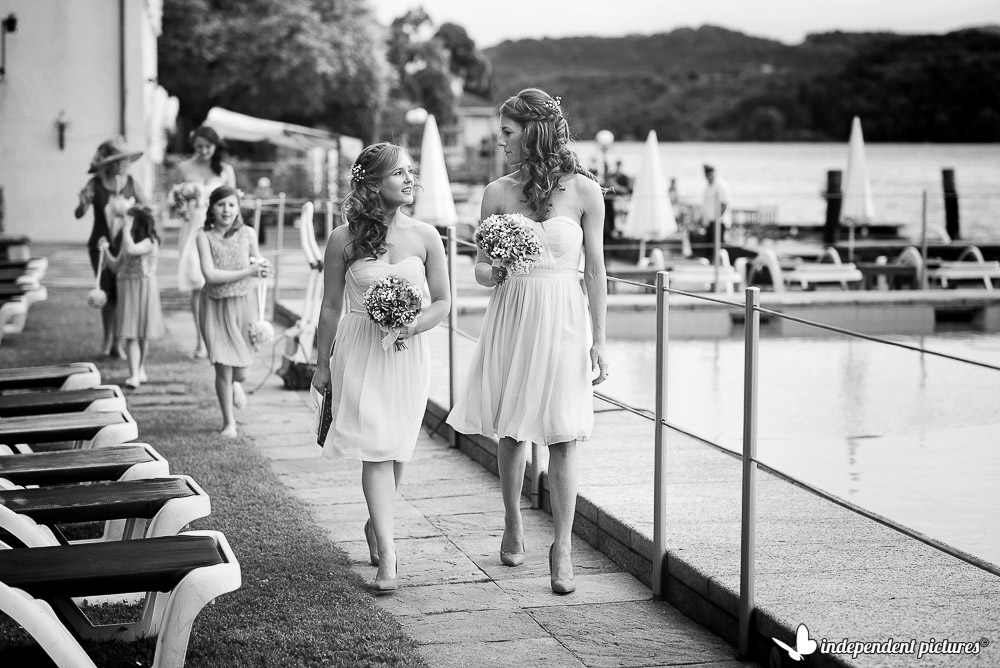 bridesmaids by the lake Orta
