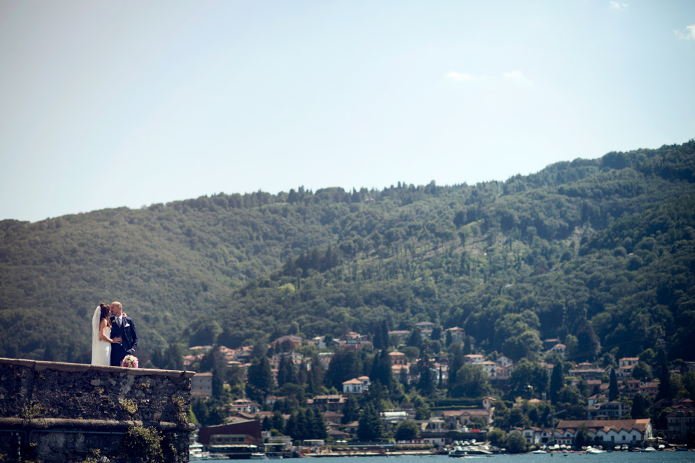 Bride and groom at Lake maggiore
