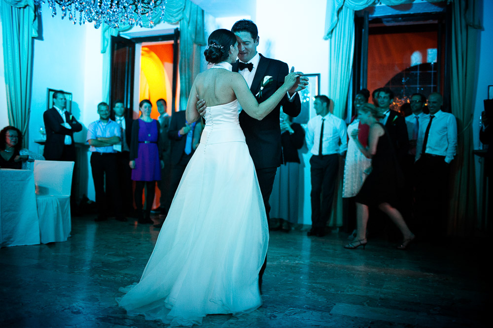 bride and groom first dance villa la collina