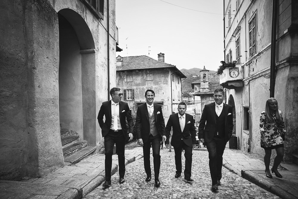 groom and groomsmen lake orta