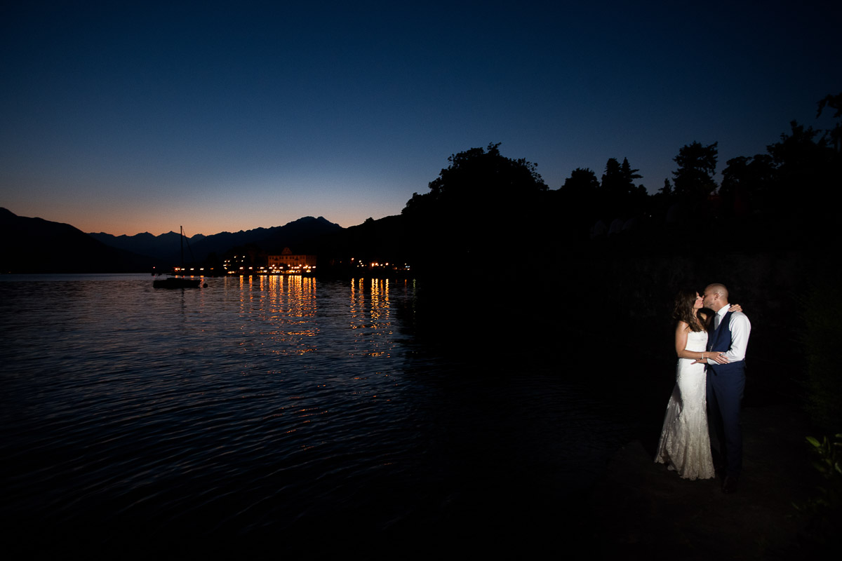 lake maggiore, bride and groom blue hour