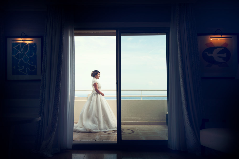 bride at the balcony at grand hotel du cap ferrat