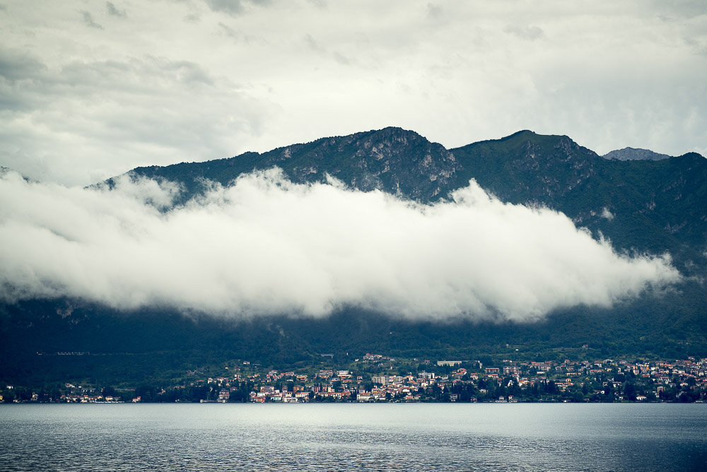 cloud on lake Como