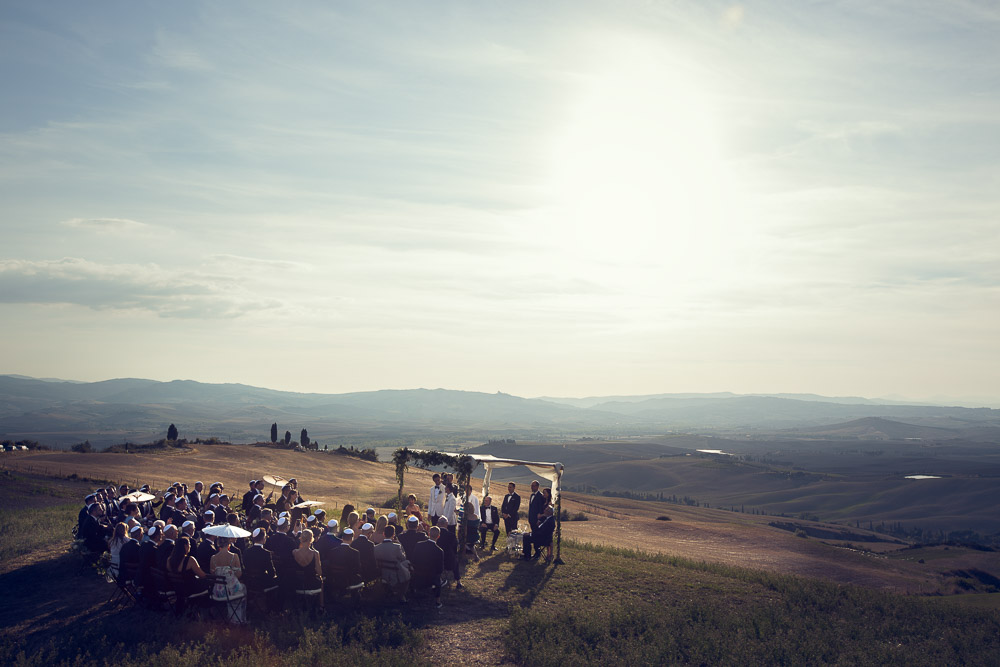 jewish wedding ceremony on top of the hill in Tuscany, val D'Orcia