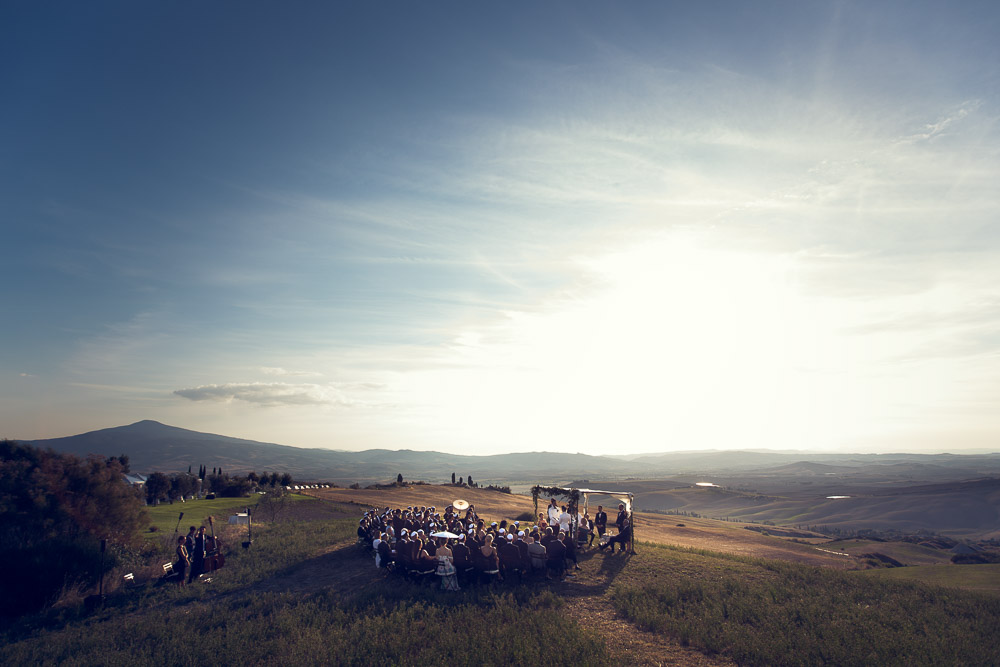 jewish wedding on top of the hill ceremony