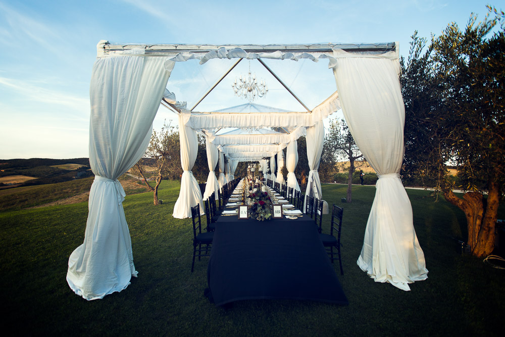 wedding table in tuscany