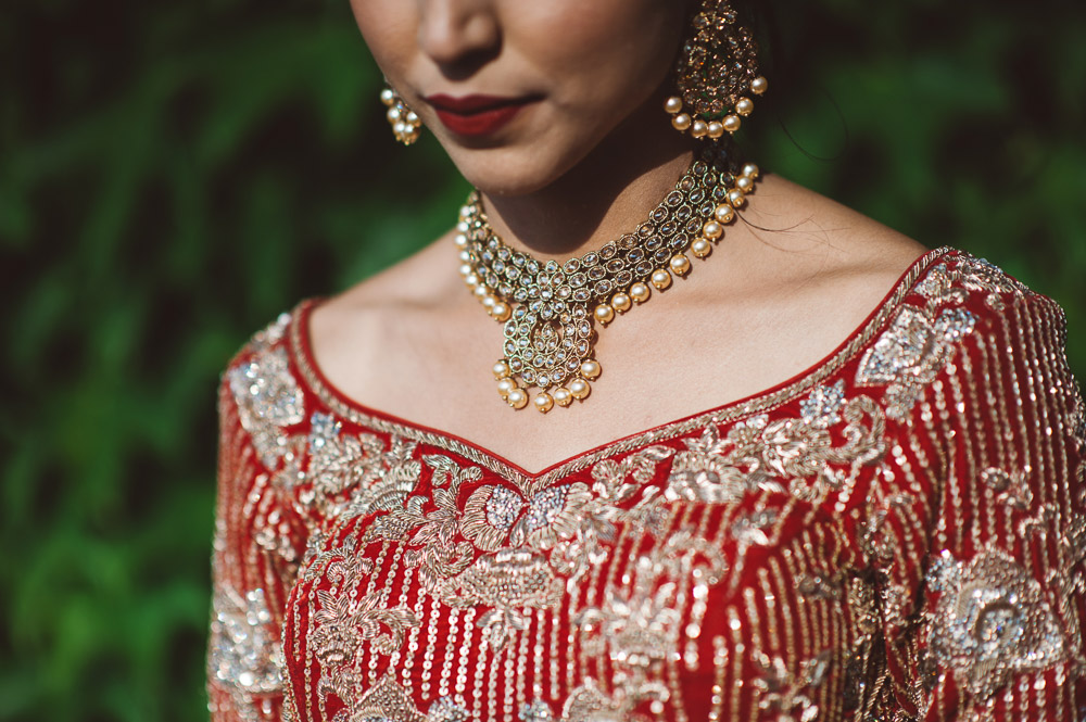 details of Indian bride, wedding in Italy