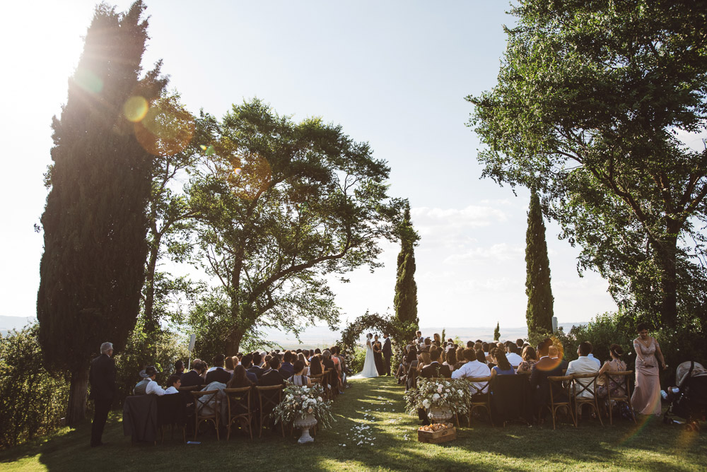 wedding in Tuscany, outdoor ceremony